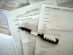 Czy ZUS może zmieniać umowę o dzieło na umowę zlecenie?
