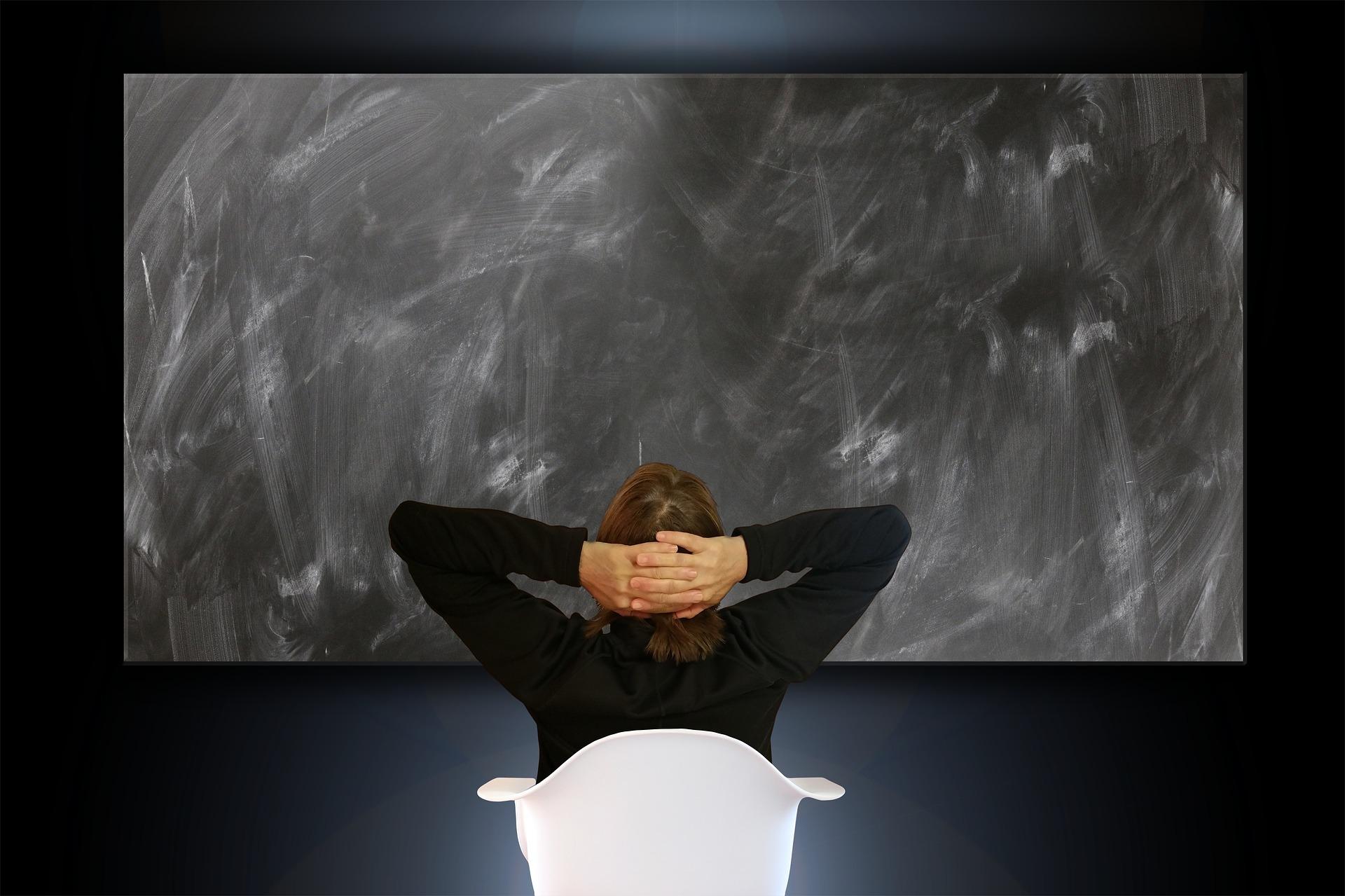 ZUS zalicza nadpłaty i odmawia zwolnienia ze składek – czy słusznie?