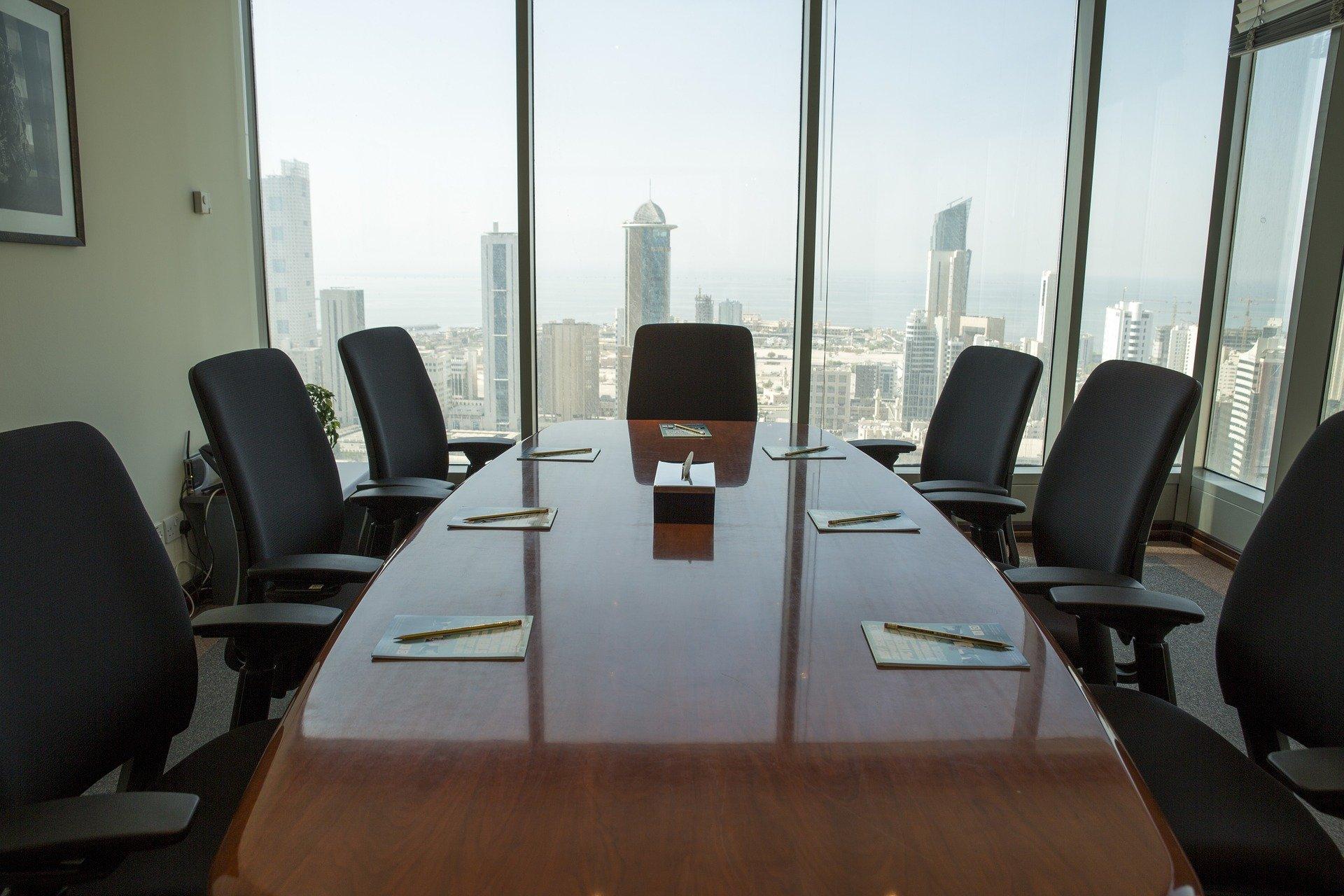 Umowa o pracę z członkiem zarządu i jednocześnie wspólnikiem spółki z o.o. – czy jest to możliwe?